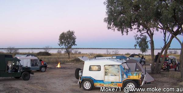 Camping by the lake north of Broken Hill in the Mokes